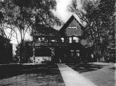 Mr. William A. Price built 7801 Euclid Avenue in 1903. The architect for this home is unknown.