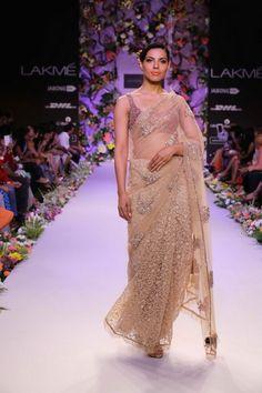 http://www.lakmefashionweek.co.in/wp-content/uploads/2014/03/Shyamal-Bhumika-LFW-SR-14-13.jpg