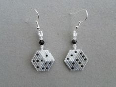 3 D look Dice earrings in delica seed beads