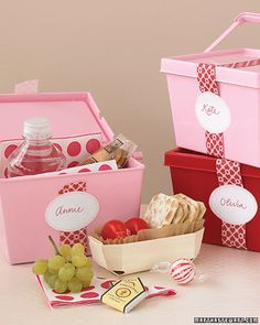 Sweet individual picnic baskets!