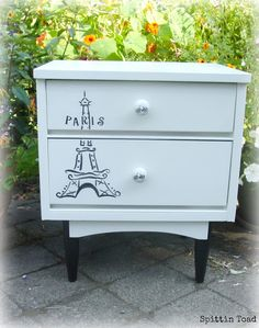 Spittin Toad: Eiffel Tower Side Table / Night Stand