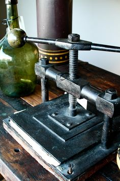 ltaly circa 1900 book press