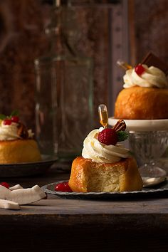 Those Fabulous, Decadent French Pastries Cinnamon Babka, Desserts Around The World, Savarin, Cupcakes, French Pastries, French Food, Pavlova, No Bake Desserts, Bread Baking
