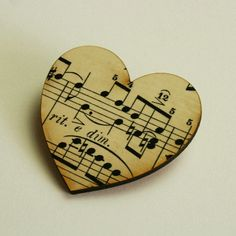 Hey, I found this really awesome Etsy listing at https://www.etsy.com/listing/56102944/musical-brooch