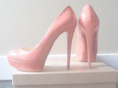 ♡ perfect pink pumps, just add some silver glitter to the backs, and they're perfect for the wedding!