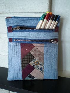 Pung with three zipper / Triple-Zip Pouch - Syglad BLOG ... (Link to free pattern)