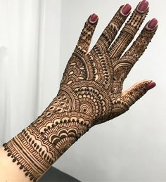 50 Most beautiful Amritsar Mehndi Design (Amritsar Henna Design) that you can apply on your Beautiful Hands and Body in daily life. Indian Henna Designs, Back Hand Mehndi Designs, Henna Art Designs, Mehndi Designs 2018, Mehndi Designs For Girls, Mehndi Design Pictures, Wedding Mehndi Designs, Unique Mehndi Designs, Beautiful Mehndi Design