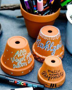 DIY Vogel Restaurant | Terracotta Topf | handlettering - Hallo kleiner Piepmatz | kreative Ideen mit POSCA Stifte | waseigenes.com DIY Blog Little Birdie, Diy Slime, Diy For Teens, Diy Videos, Diy Beauty, Diy Art, Diy Wedding, Diy And Crafts, Easy Diy