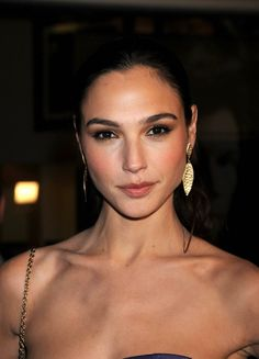 Gal Gadot. http://film-book.com/tag/gal-gadot/ #GalGadot #celebrity #model #photography