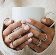 Here's my full guide to neutral nails including 25 neutral nail colors! Neutral nails work for any season but I've also broken down neutral nail colors by the time of year you're most likely to find them Ongles Beiges, Hair And Nails, My Nails, Fall Nails, Summer Nails, Stars Nails, Neutral Nail Color, Neutral Tones, Neutral Gel Nails