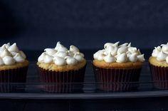 Peach Cupcakes With Brown Sugar Frosting | Brit + Co. #peach #brownsugar #cupcakes