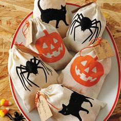 Halloween Fabric Treat Bags -cute!