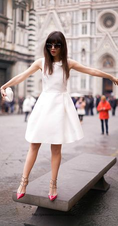 Parisian chic w/my favorite Valentino heels! ::M:: Betty Autier has such great style! Mode Style, Style Blog, Little White Dresses, Nice Dresses, Teen Dresses, Spring Dresses, Club Dresses, Moda Fashion, Womens Fashion