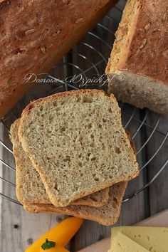 Bread Recipes, Cooking Recipes, Bulgarian Recipes, Home Bakery, Polish Recipes, Polish Food, Ober Und Unterhitze, How To Make Bread, Mellow Yellow
