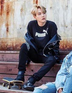 BTS (防弾少年団) - Min Yoongi (Suga) This look aaaahhhh