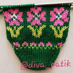 Teachers Pet, Fair Isle Knitting, Bead Crochet, Baby Knitting Patterns, Mitten Gloves, Elsa, Diy And Crafts, Socks, Beads