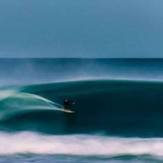 Speed blur surfing. Awesome photography by Beau Hardy!