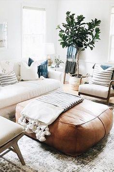 #LeatherLivingRoomSet Living Room Pouf, Living Room Sets, Living Room Designs, Living Room Furniture, Living Room Decor, Decor Room, Diy Leather Ottoman, Moroccan Leather Pouf, Moroccan Pouf