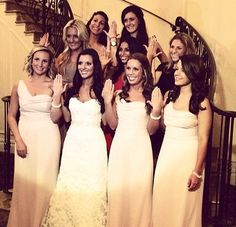 An alpha phi UConn alum with her sisters on her wedding day ❤️ AOE #alphaphi #uconn #sisters #wedding #aphi