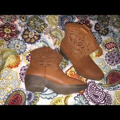 Women western boots Size 10.. Never used.. Shoes Ankle Boots & Booties