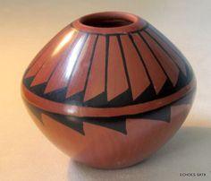 Jemez Pueblo New Mexico Indian Pottery Tulip Shape Bowl