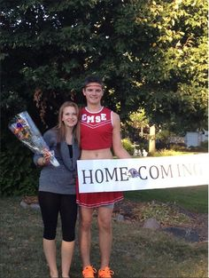 hahaha Homecoming ask - Hairstyles For All Prom Proposal, School Dances, Just For Fun, Relationship Goals, Homecoming, Cinema, Proposals, Hair Styles, Boys