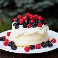 Gorgeous way to decorate a store bought angel food cake