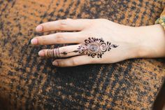 Mehndi Designs Finger, Henna Tattoo Designs Simple, Mehndi Designs For Beginners, Modern Henna Designs, Unique Mehndi Designs, Mehndi Designs For Fingers, Beautiful Mehndi Design, Latest Mehndi Designs, Simple Mehndi Designs