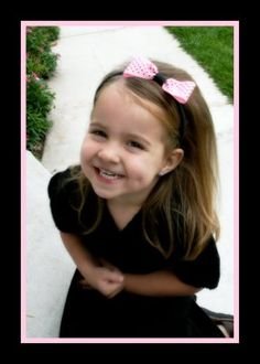 http://www.girlydohairstyles.com/2008/10/boof-age-and-bows.html