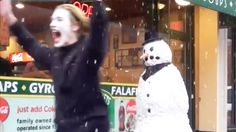 Scary Snowman Hidden Camera Practical Joke US Tour 2015 Minutes) Dankest Memes, Funny Memes, Hilarious, Happy Easter Sunday, Scary Gif, Gyr, Prank Videos, Funny Videos, Lace