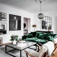 LUXXU: Fall Interior Design Trends To Keep An Eye On - Contemporary Designers Furniture – Da Vinci Lifestyle Glam Living Room, Living Room Sofa, Living Room Interior, Apartment Living, Home Interior Design, Home And Living, Living Room Decor, Living Spaces, Living Rooms