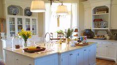 Hermosa cocina en blanco