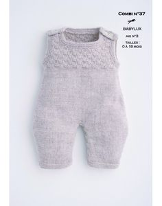 jumpsuit pattern Free knitting pattern Modèle Combinaison Cheval Blanc - Patron tricot gratuit - Jumpsuits and Romper Baby Knitting Patterns, Baby Boy Knitting, Knitting For Kids, Baby Patterns, Free Knitting, Baby Knits, Loom Knitting, Knitting Projects, Stitch Patterns