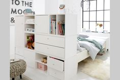 Set up small rooms: tips for more storage space - Home Decor Bedroom Studio Apartment Decorating, Apartment Design, Small Rooms, Small Spaces, Bedroom Small, Small Room Furniture, Car Furniture, Trendy Bedroom, Bedroom Storage