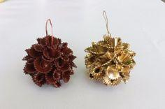 Con creatividad e imaginación podemos crear adornos navideños como estos. ¡Apunta los pasos!
