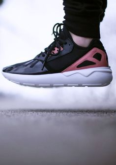 Adidas Tubular Black Pink