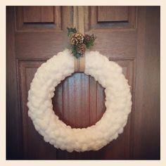 Connoisseur of Creativity: Cottonball Wreath DIY