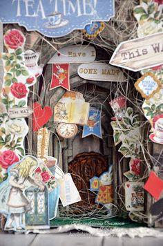 Alice In Wonderland Crafts, Tunnel Book, Goodies, Craft Tutorials, Quilling, Pop Up, Gift Wrapping, Diy Crafts, Scrapbook