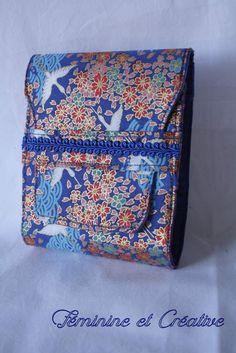 29e9451bc574 Porte chéquier en tissu japonais motif grues et fleurs coton format