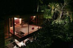 oxide-joyride:  The Brake House, Titirangi NZ. Designed by Ron...