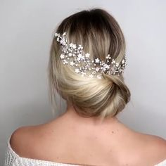 Wonderful Wild Waves - 40 Chic Wedding Hair Updos for Elegant Brides - The Trending Hairstyle Prom Hair Updo Elegant, Bridal Hair Updo, Elegant Updo, Elegant Hairstyles, Up Hairstyles, Wedding Hairstyles, Wedding Updo, Boho Wedding, Hair Tutorials For Medium Hair