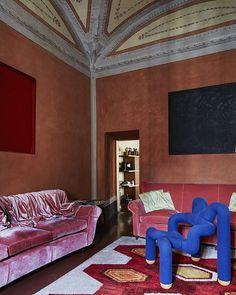 La maison du décorateur Roberto Baciocchi @baciocchiassociati est sur www.admagazine.fr Par #audedelaconte  #simonwatson