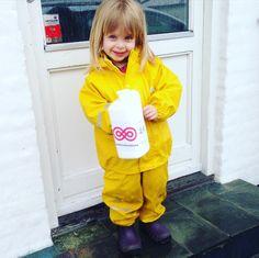 Selv i regnen kommer der indsamlere ud <3 #visflaget 2016