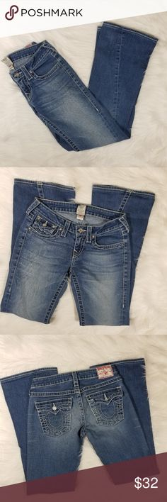 "True Religion sz 27 Women's boot cut jeans medium Waist:30"" Inseam:32"" All of my items are from smoke and pet free household Please feel free leave me any questions about my items True Religion Jeans Boot Cut"