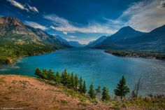 I am embarrassed to admit that I had never heard of Waterton Lakes National Park. It's a little ridiculous considering I have heard of Glacier National Park and they are connected!
