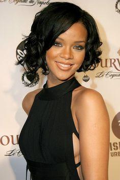 Rihanna secrets- Is Rihanna happy without a man? Rihanna thinks there is no need of a man to make herself happy. Read what Rihanna said in actual. Rihanna News, Rihanna Riri, Rihanna Style, Sweet 16 Hairstyles, Rihanna Albums, Divas, Rihanna Looks, Rihanna Outfits, Jenifer Lawrence