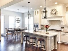 This is open and pretty too Kitchen Nook, Diy Kitchen, Kitchen Design, Kitchen Cabinets, Kitchen Decor, Oak Kitchen Remodel, Kitchen Remodeling, Remodeling Ideas, Small Kitchens