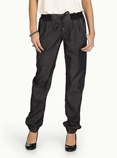 Shop Online for Women's Pants Online in Canada | Simons // Looks comfy
