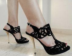 Inspiración en 16 zapatos negros para cada ocasión