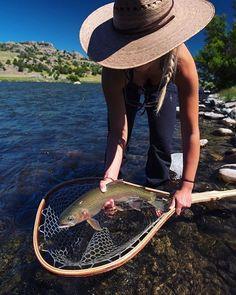 River Fishing Tips Fishing Uk, Trout Fishing Tips, Fishing World, Fly Fishing Gear, Fishing Rigs, Fishing Lures, Saltwater Fishing, Fly Girls, Hudson River